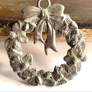 Vintage Pewter Christmas Wreath Brooch By Seagull